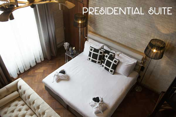 Presidential Suite - bed